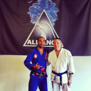 international brazilian jiu-jitsu federation champion Rafael Rosendo Dos Santos testimonial for Dr. Henry's chiropractic and cold laser therapy